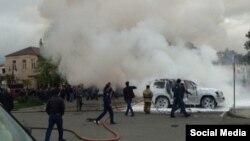 16 апреля 2016 года в 18:21 на площади им. Сергея Багапша в Сухуме был осуществлен подрыв взрывного устройства неустановленного образца, вследствие чего взрывом была уничтожена служебная автомашина марки Toyota Camry депутата Алмаса Джапуа