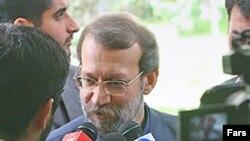 آقای لاريجانی گفت که جزئيات گزارش البرادعی « اين واقعيات را مشخص می کند که ايران مشکلی در فعاليت های خود ندارد.»
