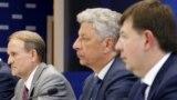 Загалом депутати Медведчук і Козак підозрюються за трьома епізодами незаконних дій
