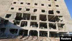 Разрушенное здание в Саракиби, провинция Идлиб, Сирия