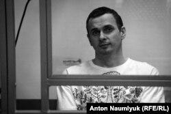 Олег Сенцов во время суда
