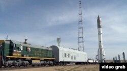 Ракета «Протон-М» с космическими аппаратами «КазСат-3» и «Луч-5В» на Байконуре.