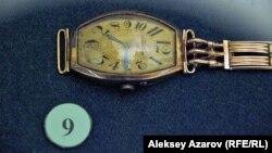 Часы Сакена Сейфуллина в Центральном государственном музее в Алматы.