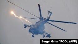 """Вертолет на учениях """"Запад-2017"""" (архивное фото)"""