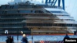 Anija Costa Concordia tash pritet të dërgohet në Gjenovë për shkatërrim