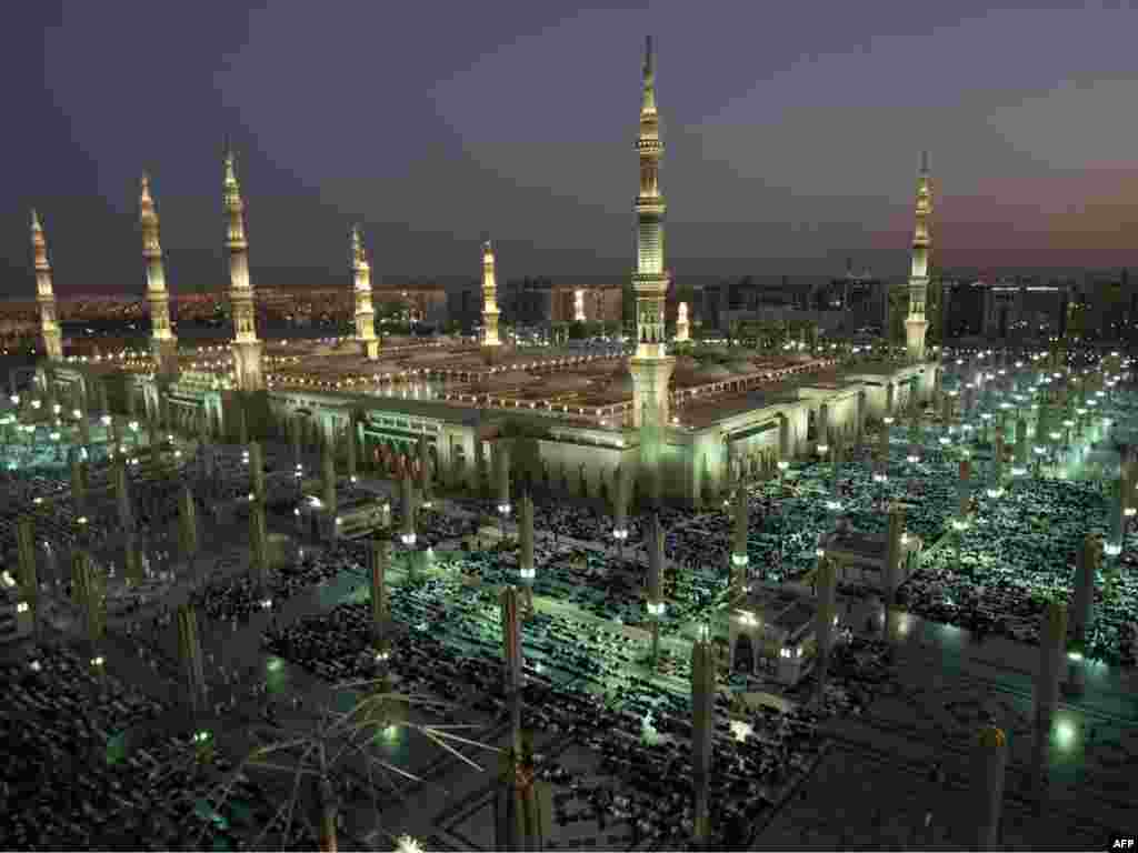 A general view of the Prophet Muhammad Mosque in the Saudi holy city of Medina on November 12. More than 3 million Muslims are expected to converge on the holy cities of Mecca and Medina in western Saudi Arabia for the hajj, which peaks this year during November 25-29. Photo by Mahmud Hams for AFP