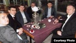 Анталия шәһәрендә яшәүче татарлар Татарстан инвестицияләр агентлыгы җитәкчесе Линар Якупов белән очраша