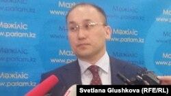 Министр информации и коммуникаций Казахстана Даурен Абаев.