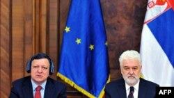 Predsednik Evropske komisije Žoze Manuel Barozo i premijer Srbije Mirko Cvetković na specijalnoj sednici Vlade Srbije u Beogradu 19. maja 2011. godine