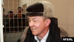 И.Исаков Аскер сотунун залында, 10-февраль 2010-жыл