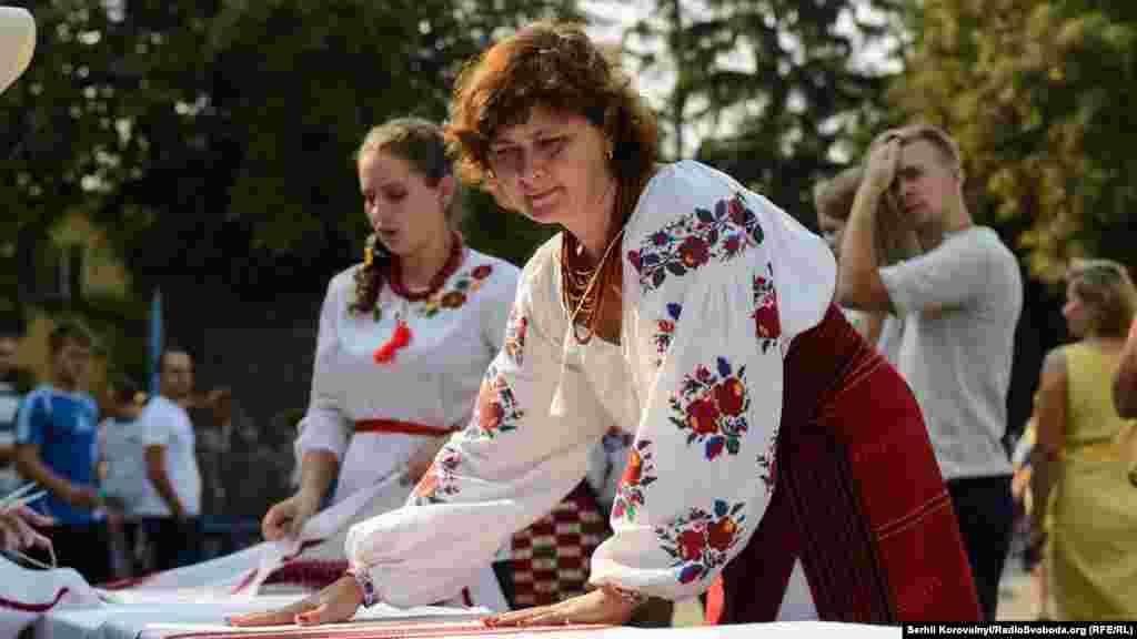 Галина Назаренко, одна з найбільш відомих петриківських художниць