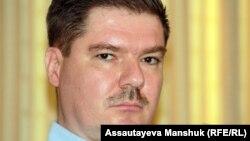 Журналист Ярослав Разумов. Алматы, 11 қыркүйек 2012 жыл.