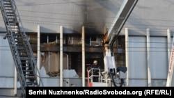 "Окно офиса телеканала ""Интер"", в котором произошло возгорание"