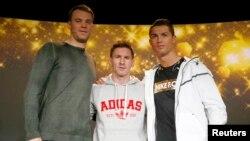 soldan sağa: Manuel Neuer, Lionel Messi və Cristiano Ronaldo