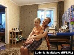 Светлана Оболенская с младшей Аней