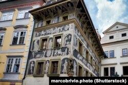 خانهای در پراگ متعلق به قرن پانزدهم میلادی که کافکا از ۱۸۸۹ تا ۱۸۹۶ در آن زندگی میکرد