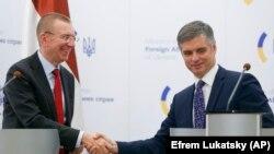 Міністр закордонних справ Латвії Едгарс Рінкевичс зустрічається з українським колегою Вадимом Пристайком, Київ, 7 жовтня 2019 року