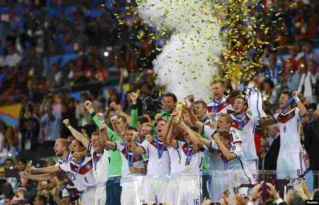 تیم آلمان چهارمین جام قهرمانیاش را در پایان جام جهانی برزیل بر سر دست کشید تا نخستین تیم اروپایی باشد که این جام را در آمریکای جنوبی از آن خود میکند.