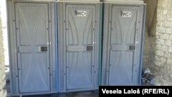 Toaleti postavljeni za migrante, Foto: Vesela Laloš