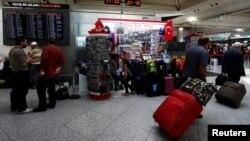 """Stambulyň """"Atatürk"""" adyndaky aeroporty."""