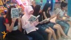 Bakıda kitab flashmob-u