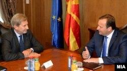 Архивска фотографија- Хан на средба во Скопје со премиерот Емил Димтриев