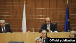 Cyprus -- Armenian President Serzh Sarkisian addresses parliament in Nicosia, 17Jan2011.