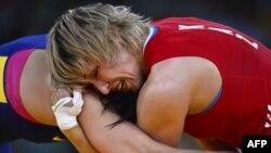 مسابقه کشتی زنان در المپیک لندن بین قزاقستان و چین