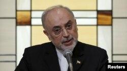 علی اکبر صالحی میگوید «توافق هستهای هم در راستای منافع ایران و هم غرب است».