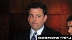 Birləşmiş Ştatları dövlət katibinin hərbi-siyasi məsələlər üzrə köməkçisi Endryu Şapiro (Andrew Shapiro)