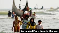 Беженцы-рохинджа на берегу Бангладеш, 5 сентября 2017 года