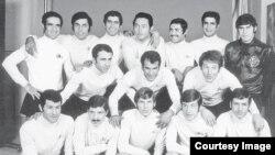 تیم قدیمی تاج، منصورپور حیدری دومین نفر نشسته از چپ