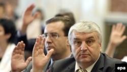 Serafim Urechean și Marian Lupu votează în noul Parlament