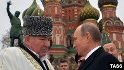 Муфтий Исмаила-хаджи Бердиев с президентом Путиным