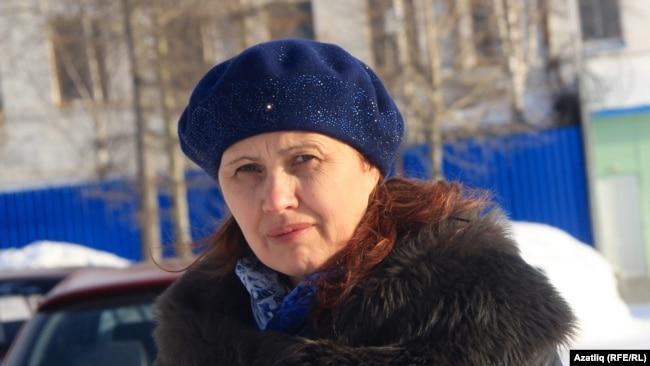 Супруга Кашапова около колонии в Коми. Март 2016 года