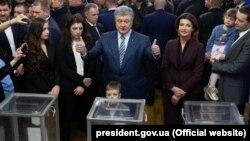 Петр Порошенко на избирательном участке, 31 марта 2019 года