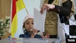 Выборы в Госдуму созыва стали серьезной проверкой для югоосетинской власти в преддверии президентских выборов 2017 года