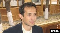 Марҳум журналист Алишер Соипов.
