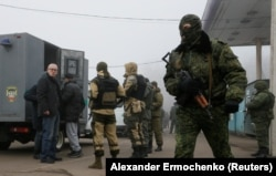 Украина билігімен тұтқын алмасуға дайындалып жатқан ресейшіл сепаратистер.