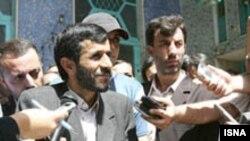 محمود احمدی نژاد، تغییرات کابینه را در راستای نوآوری اعلام کرده است.( عکس: ایسنا)