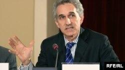 Ceffri Qedmin radionun əməkdaşının dərhal azad olunmasını tələb etmişdi