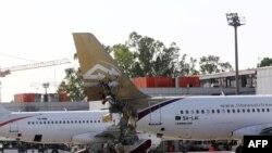 Пошкоджений через бої літак у аеропорту Тріполі