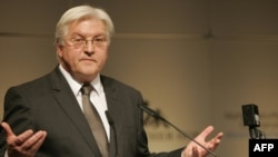 German Foreign Minister Frank-Walter Steinmeier has said Germany should take in former Guantanamo inmates.