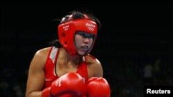Дарига Шакимова в матче против канадки Ариан Фортин, Рио-де-Жанейро, август 2016 года.