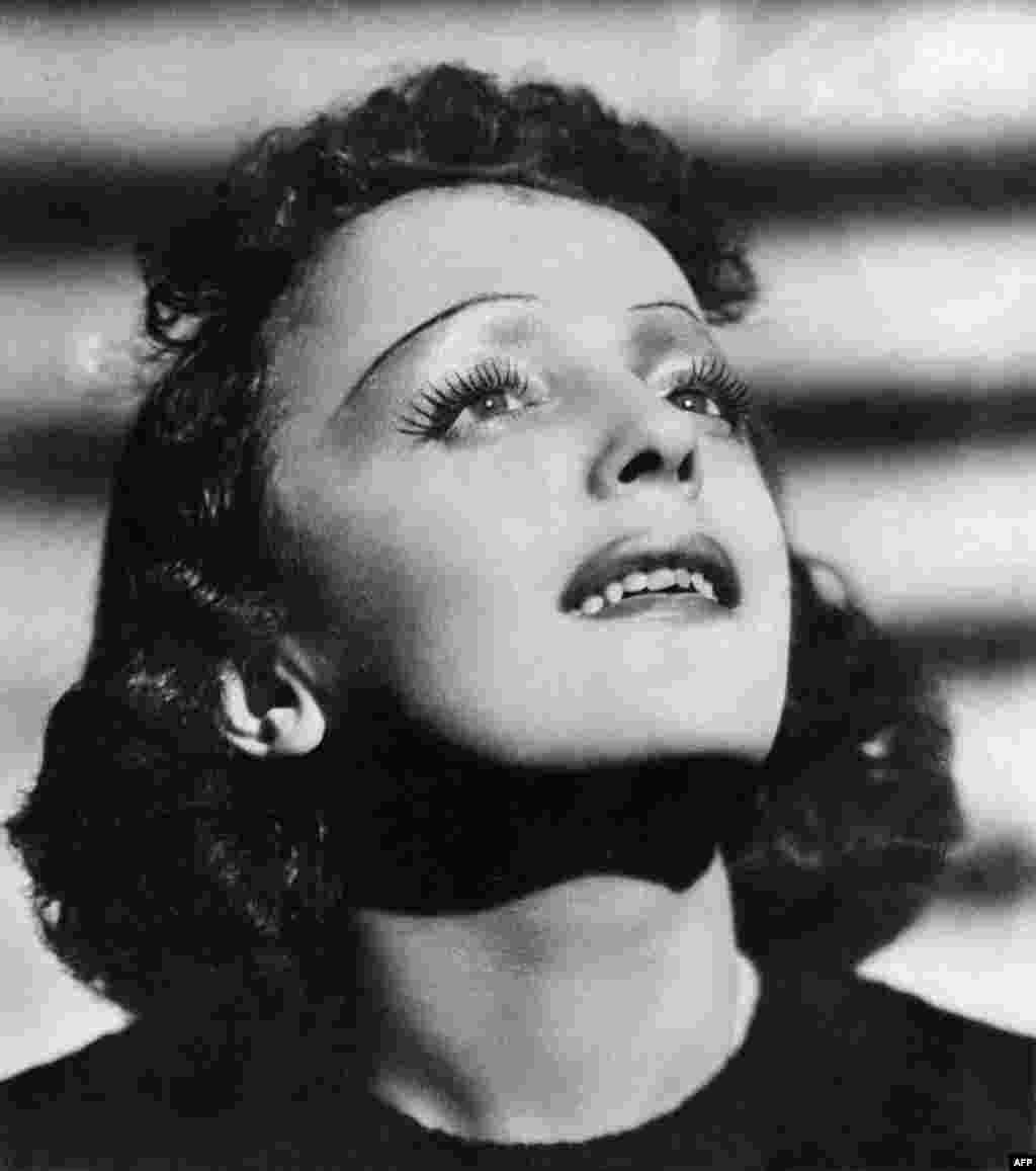 Edith Piaf (undated)