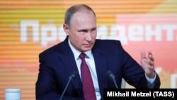 Президент РФ Володимир Путін під час великої щорічної прес-конференції, 14 грудня 2017 року
