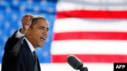 برپايه نظر سنجی رويترز/ سی –اسپن/ زاگبی، باراک اوباما هفت درصد از جان مک کين جلوتر است.(عکس: AFP)