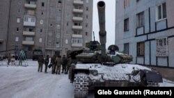 Украинаның Авдеевка шәһәрендәге танк