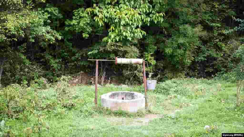 В селах есть водопровод, но многие жители продолжают пользоваться колодцами