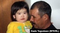 Жаймұқан Көшеров - Жаңаөзен оқиғасында қаза тапқан Жаңаберген Көшеровтің әкесі. Теңге ауылы, 16 ақпан 2012 жыл.